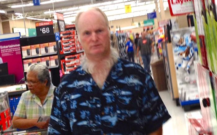 Killer neckbeard spotted at Walmart.