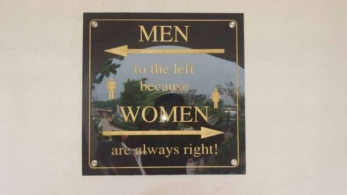 Men to the left, women to the right.