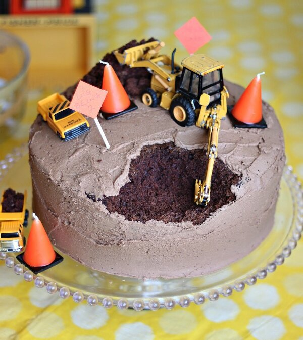 Perfect cake for a backhoe operator.
